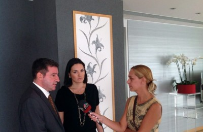 Athens Mayor Giorgos Kaminis and Tourism Minister Olga Kefalogianni speaking to the press after their meeting last month.