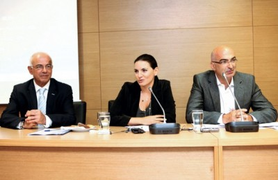 Tourism Minister Olga Kefalogianni attended the Hellenic Chamber of Hotels' board meeting last month. She is pictured with the tourism ministry's new secretary general, Tasos Liaskos and the chamber's president Yiorgos Tsakiris.
