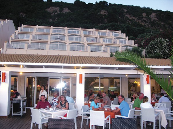 The increase of the VAT for restaurant services in Greek hotels caused the angry reaction of Greek tourism professionals.