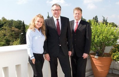 PRConnexion's managing director international relations, Stella Ouroumi with Lufthansa's new general manager for Greece and Cyprus, Harro-Julius Petersen, and director group communications southeast Europe, Middle East and Africa, Aage Dünhaupt.