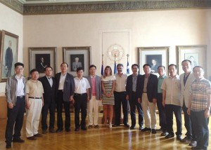 ACB with Korean delegation at City Hall.