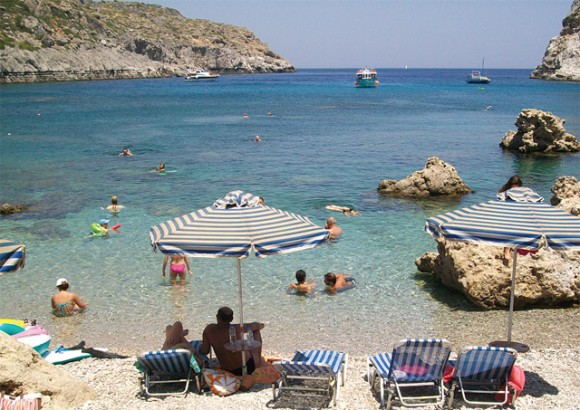 "For the year 2010 a total of 421 beaches and nine marinas were honored with the quality ""Blue Flag"" award in Greece."