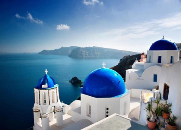 Santorini voted best honeymoon destination in the world for Honeymoon packages santorini greece