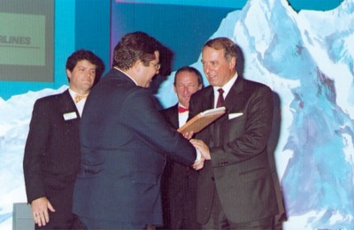 Aegean Airlines' general manager, Antonis Simigdalas, accepts bronze Airline of the Year 2000/1 award.