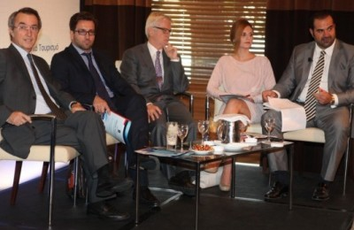 """Panel discussion during the presentation of the """"Development of Medical Tourism in Greece"""" study."""