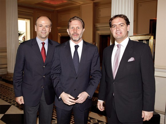"""Athens-Attica Hotel Association President Yiannis Retsos, Culture and Tourism Minister Pavlos Geroulanos and the association's vice president Alexandros Vassilikos at the association's 41st Annual General Assembly. During his speech, Mr. Geroulanos said """"the sun will shine again on the Greek capital as we have gained two very powerful allies"""" referring to new Attica Governor Yiannis Sgouros and new Athens Mayor George Kaminis. """"They both have an open mind, are open to suggestions, and are totally aware of the task entrusted to them,"""" the minister said."""