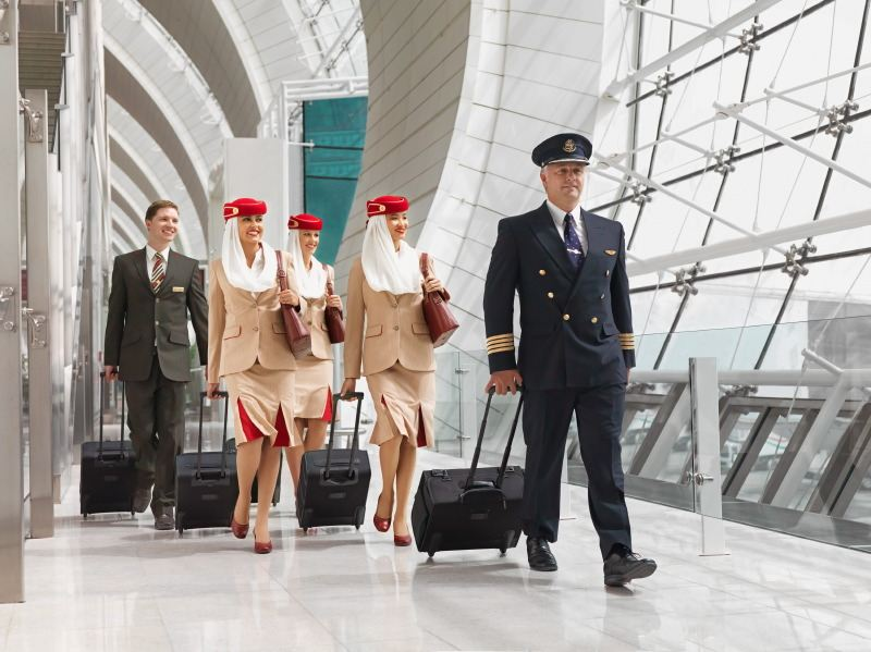 how to become a pilot for emirates