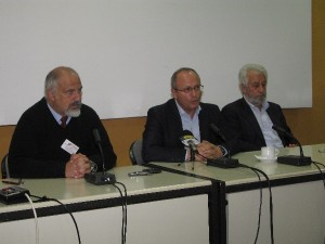 Municipality of Limnos press conference: Dimitris Boulotis, Deputy Mayor of Limnos; Antonis Hatzidiamantis, Mayor of Limnos; and Sarantis Pantazis, city councillor..