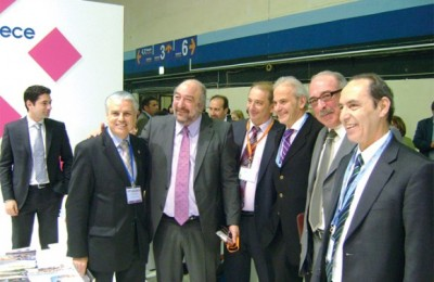 At the 18th MITT exhibition Russian tourism professionals told Deputy Culture and Tourism Minister George Nikitiadis (second from left) that until March a significant increase in bookings to Greece had been recorded compared to 2010.