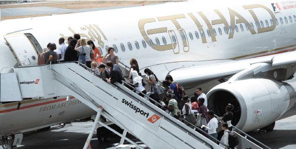 Etihad airways sets new record for busiest day gtp headlines - Etihad airways office in abu dhabi ...