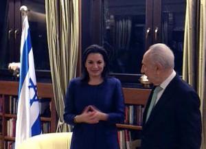 Greek Tourism Minister Olga Kefalogianni and Israeli President Shimon Peres.