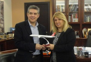 Thessaly Governor Kostas Agorastos and the general director of Turkish Airlines in Greece, Gulay Ozturk.