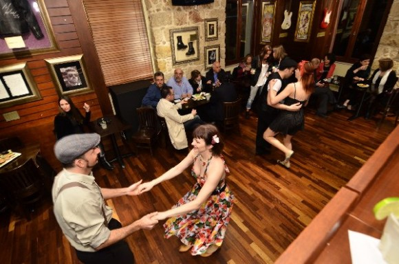 Swing dancing followed the presentation of Lufthansa's extensive network of products and services in North America.