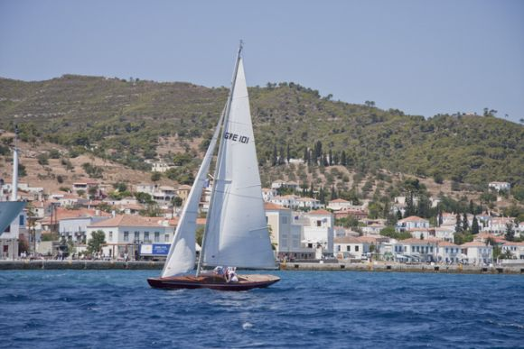 Spetses Classic Yacht Race 2012