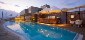 18ameliaathens-swimmingpoolbar