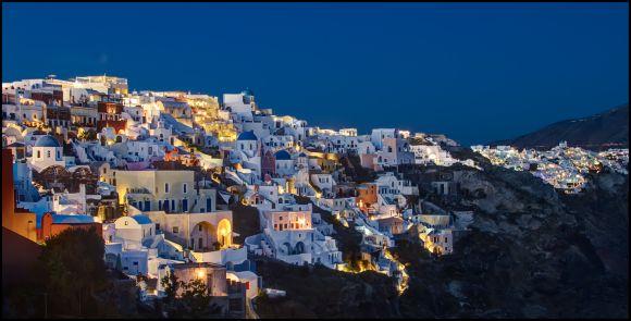 Oia, Santorini: Blue Hour