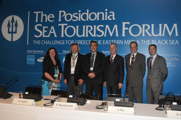 C. Palassis, CTM Hellas; N. Lingard, Travel Industry Management Consultant; K. Moussouroulis, Greek Shipping Minister; J. Fox, Vice President Government Relations US and Europe, Royal Caribbean Cruises; G. Israel, Senior Vice President Port and Dest. Development of Carnival Corp.; and R. Ashdown, Secretary General of CLIA Europe.