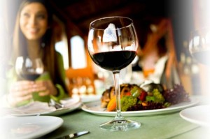 The reduction of the VAT imposed on food catering services also includes hotel restaurants.