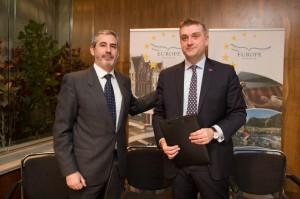 Juan Jesús García, Senior Advisor and Industry Affairs of Amadeus with Peter De Wilde, President of the European Travel Commission (ETC).
