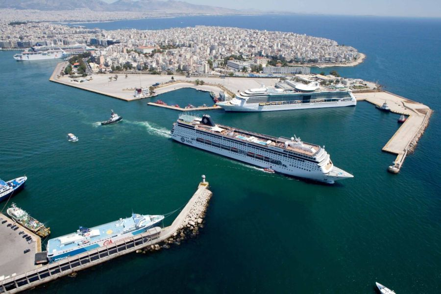 Piraeus Port Receives Quot Ecoport Quot Environmental