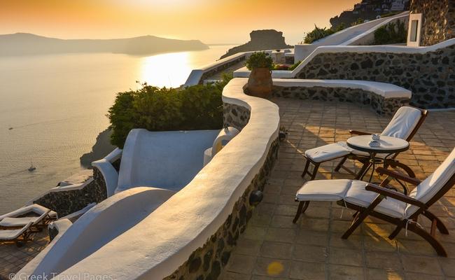 Imerovigli, Santorini. Photo © Maria Theofanopoulou