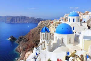 Oia, Santorini. Photo © Region of South Aegean