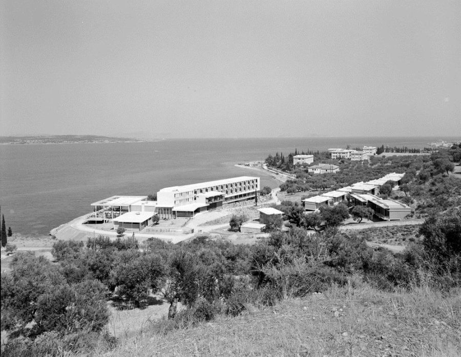 1962 Xenia Hotel, Spetses | Philippos Vokos Source: Photographic Archives of Benaki Museum / http://www.tourismlandscapes.gr