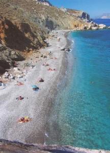 Katergo Beach on Folegandros. Photo © Facebook - ΟΙ ΟΜΟΡΦΙΕΣ ΤΗΣ ΕΛΛΑΔΑΣ ΜΑΣ
