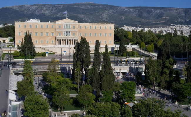 The Hellenic Parliament, Syntagma Square. Photo © Maria Theofanopoulou