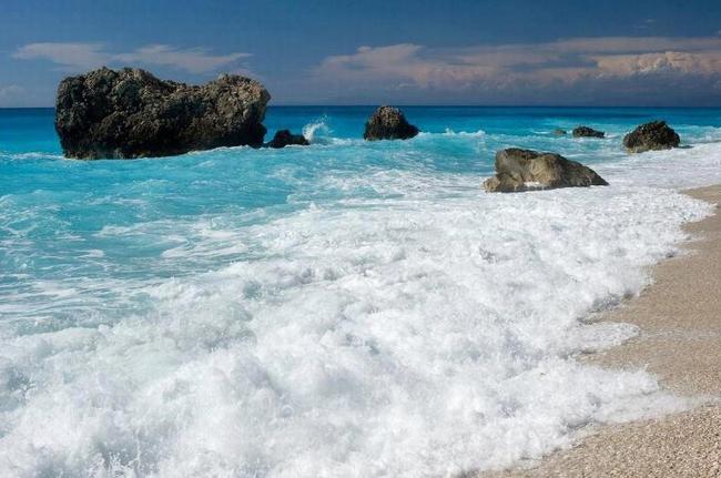 Agiofyli Beach, Lefkada. Photo © Facebook - ΟΙ ΟΜΟΡΦΙΕΣ ΤΗΣ ΕΛΛΑΔΑΣ ΜΑΣ
