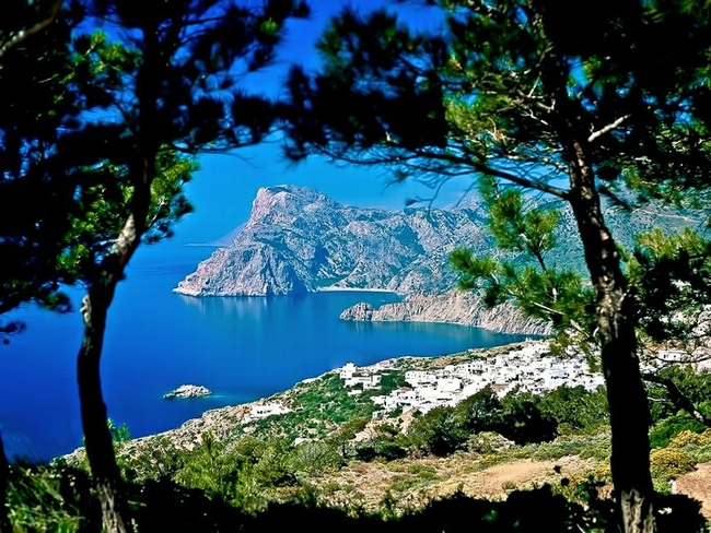© Facebook - Greek Islands