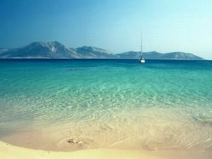 Pori Beach, Koufonissi. Photo © Corfu Apartments by the Beach