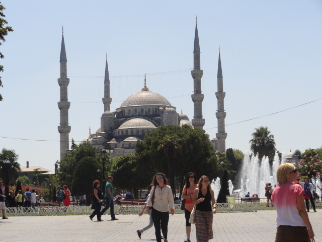 The Sultan Ahmet Mosque, Istanbul, Turkey. Photo © GTP