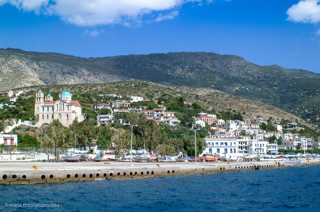 Port of Agios Kirikos in Ikaria. Photo © Maria Theofanopoulou