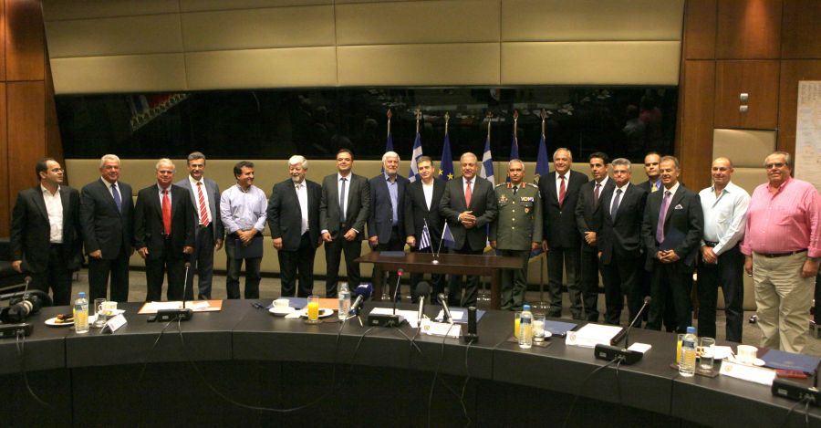 The joint ministerial decision that allows the military airfield in Tripoli to open to passenger traffic was signed by the Greek ministers of Defense, Dimitris Avramopoulos, and Infrastructure, Michalis Chrysochoidis, in the presence of the Board of Directors of the Peloponnese Tourism Organization (Konstantinos Marinakos, president and Dimitris Pollalis, vice president) and tourism professionals of Porto Heli - Ermionida and Tolo.