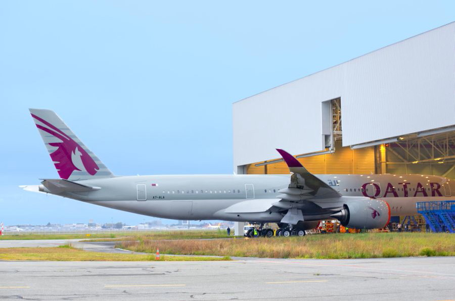 Following the A350-900's recent EASA Type Certification, Airbus and Qatar Airways teams are working together to ensure a smooth hand-over process for the first customer aircraft, with the final steps before delivery including cabin completion, as well as ground and flight tests. © Airbus S.A.S. 2014 - photo by master filems/JB. Accariez