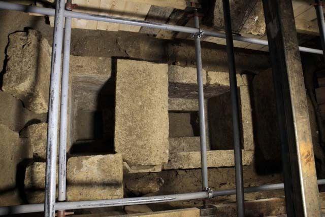 Amphipolis_grave_l_15341_f