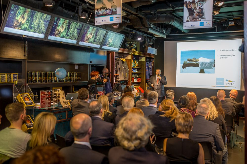 The tourism advisor for the Region of Crete, Mihalis Vamiedakis, presented the new promotion plan for Crete at London's National Geographic Store.