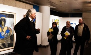 "Greek travel agents were also given a tour of Giorgos Kakoulidis' art exhibition ""Visions"" by the artist himself. ""Visions"" will be on display at the Michael Cacoyannis Foundation until January 31. Photo source: HATTA"