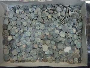 stolen_Greek_coins_l_15620