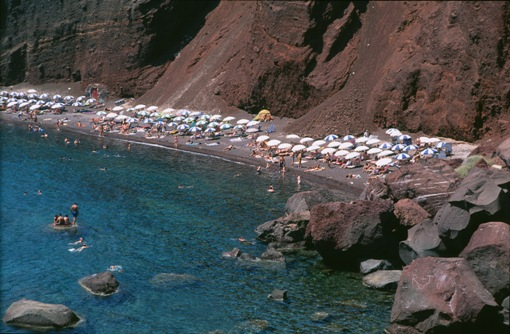 Red Beach, Santorini. Photo source: visitgreece.gr