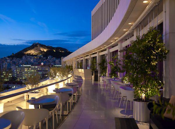 Galaxy Bar, Photo © Hilton Athens Hotel