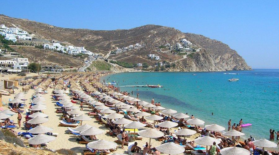 Elia Beach on Mykonos. Photo source: Destsetters