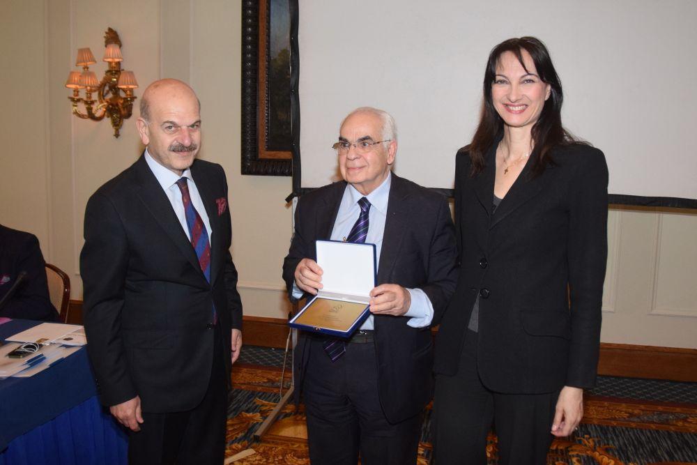 HATTA President Lysandros Tsilidis, Nikos Skoulas and Alternate Tourism Minister Elena Kountoura. Photo © Paterakis