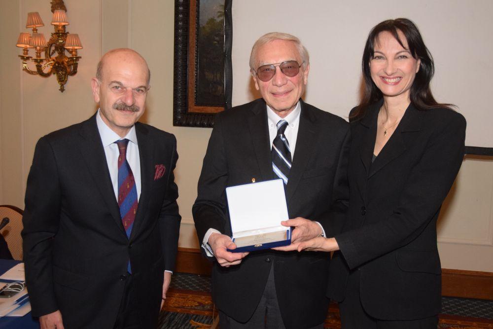 HATTA President Lysandros Tsilidis, Vyronas Argyris and Alternate Tourism Minister Elena Kountoura. Photo © Paterakis
