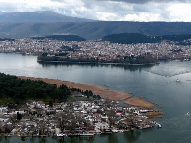 Ioannina islet, Ioannina Lake. Photo © Facebook - ΟΙ ΟΜΟΡΦΙΕΣ ΤΗΣ ΕΛΛΑΔΑΣ ΜΑΣ