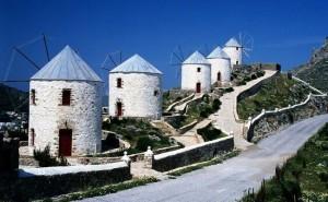 Windmills on Leros Island. Photo © Facebook - ΟΙ ΟΜΟΡΦΙΕΣ ΤΗΣ ΕΛΛΑΔΑΣ ΜΑΣ