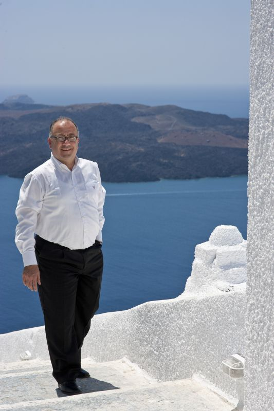 Mayor of Thira Anastasios – Nikolaos Zorzos