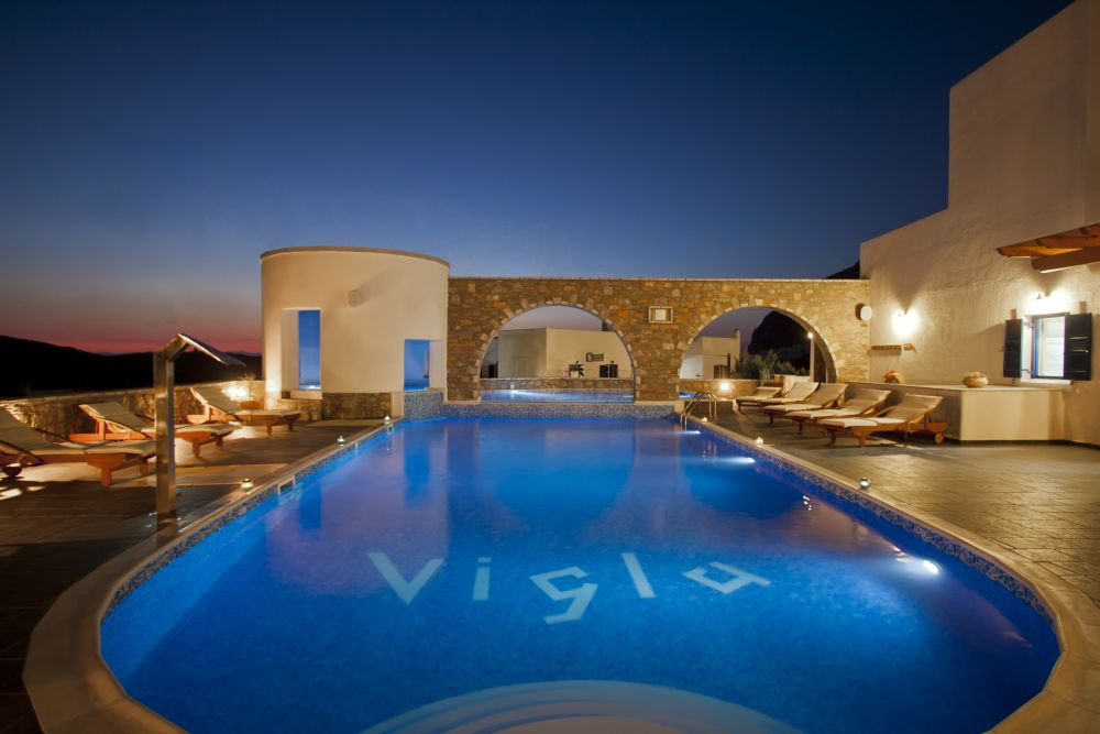 vigla_pool_evening1_a