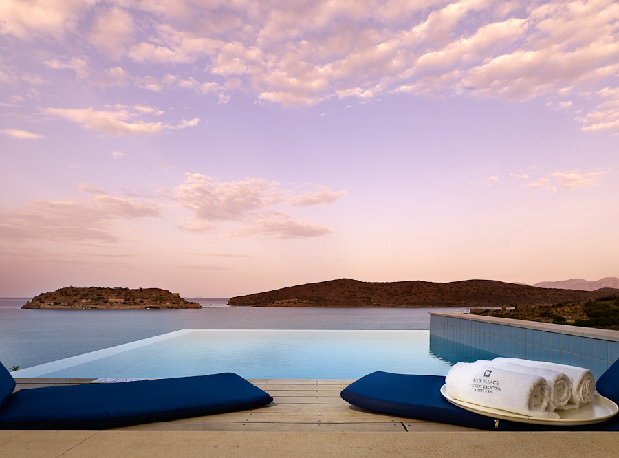 Private infinity pool.